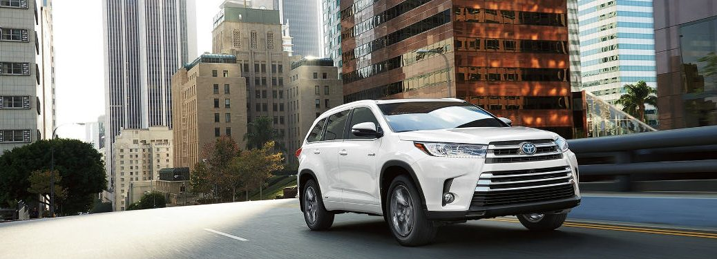 2018 Toyota Highlander driving in the city