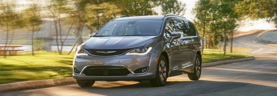Uconnect® Technology and Features in the 2019 Chrysler Pacifica