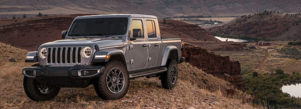 Jeep Gladiator parking in front of ridge