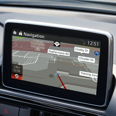 Image of the touchscreen with navigation for the Navigation and Sound Group Package
