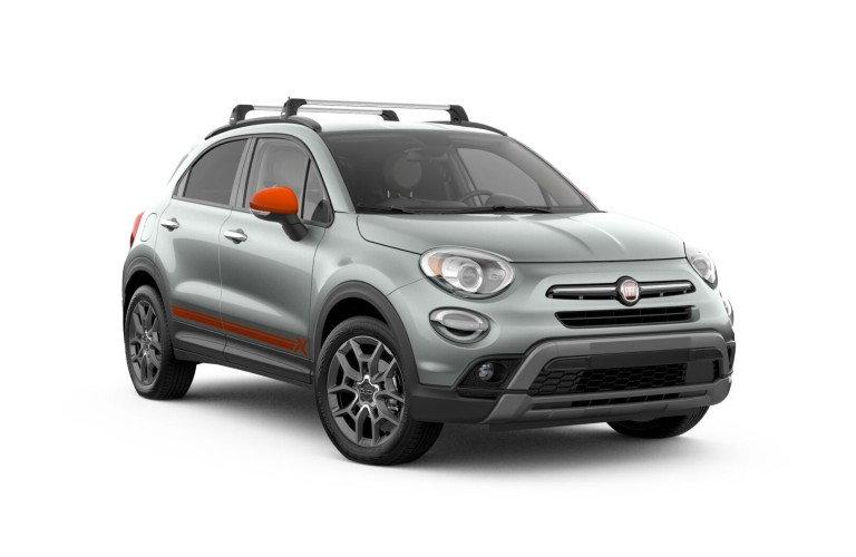 A gray 2020 Fiat 500x Adventurer Edition.