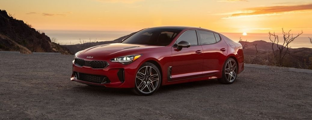 What Are the Performance and Efficiency Ratings of the 2022 Kia Stinger?