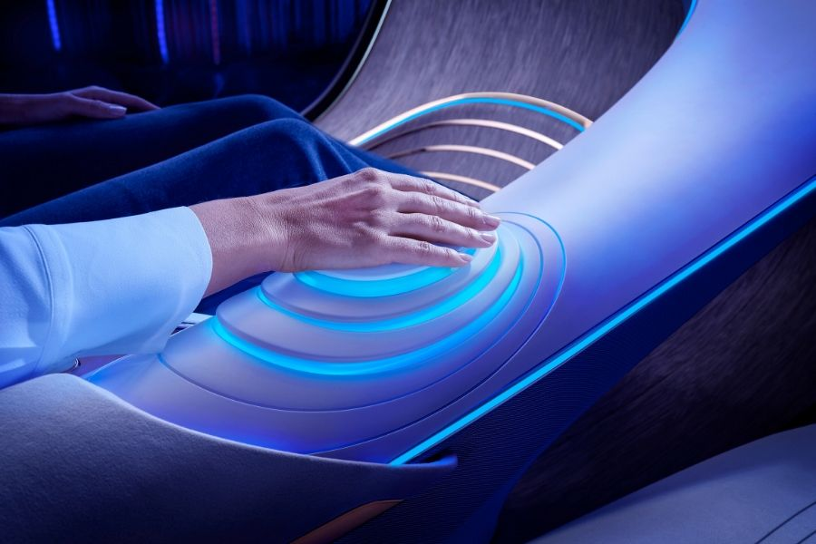 Hand controlling Mercedes-Benz VISION AVTR