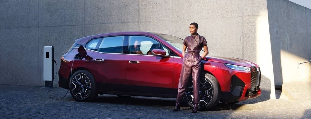 The exterior view of the 2022 BMW iX