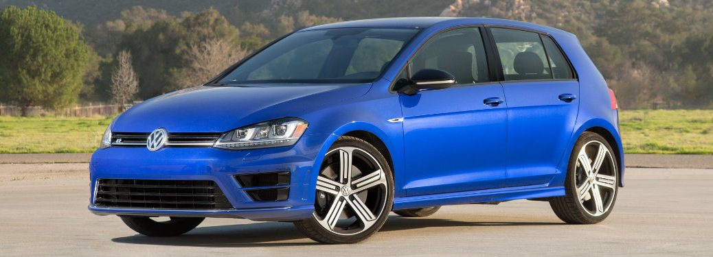 What awards has the 2016 Volkswagen Golf R won?-vic bailey vw