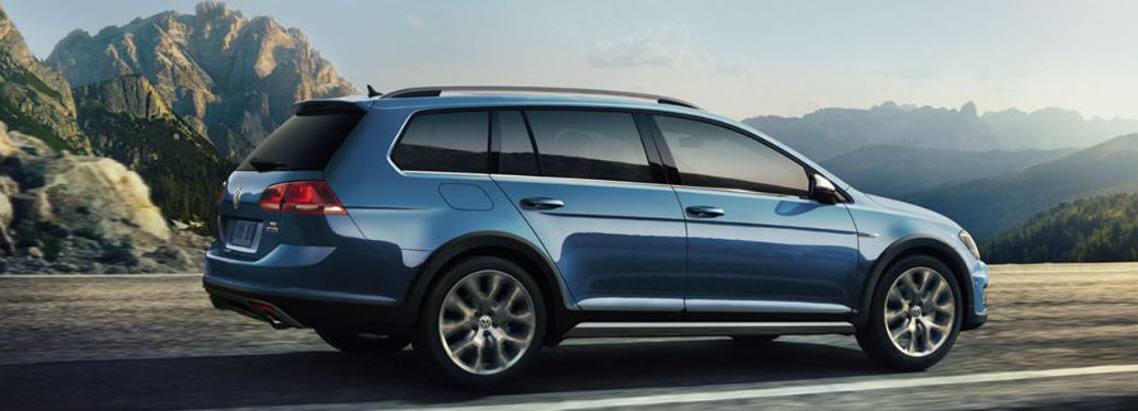 2018 Volkswagen Golf Alltrack side profile