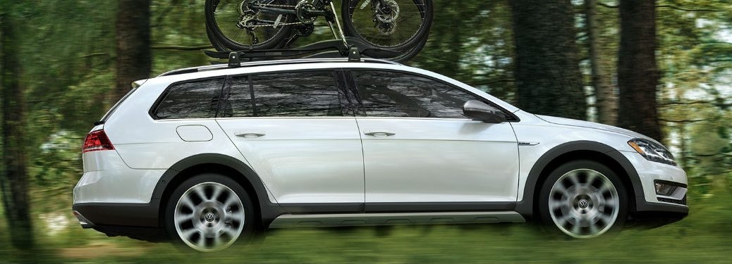 2018 Volkswagen Golf Alltrack driving on off-road trail