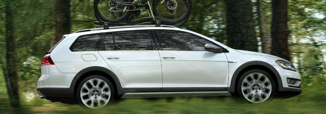 Extensive list of technology features and comfort options in new 2018 Volkswagen Golf Alltrack provide passengers with the luxury they deserve