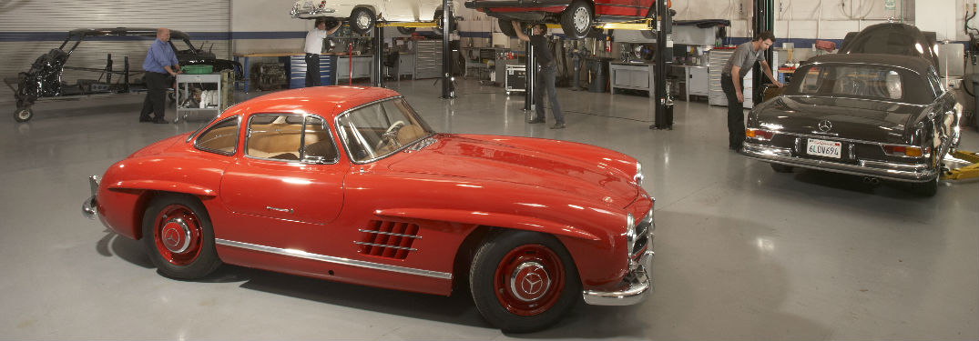 What do old Mercedes-Benz models look like?