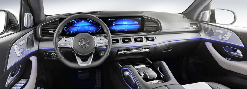 2020 MB GLE interior front cabin steering wheel and dashboard