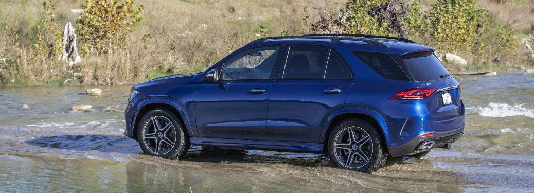 2020 MB GLE exterior back fascia and driver side going through river