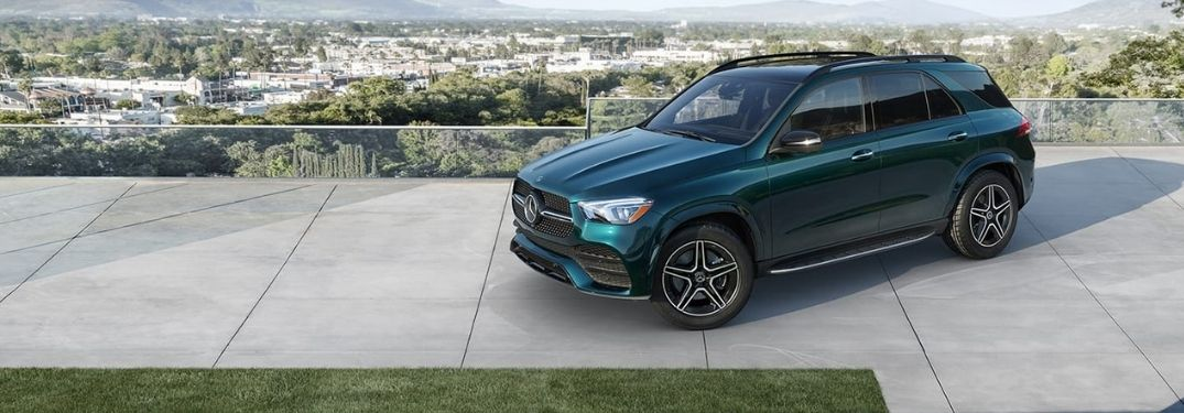 Which features are standard on the 2021 GLE?