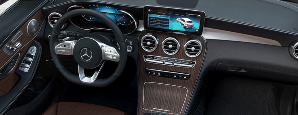 2021 Mercedes-Benz GLC front seats and steering wheel