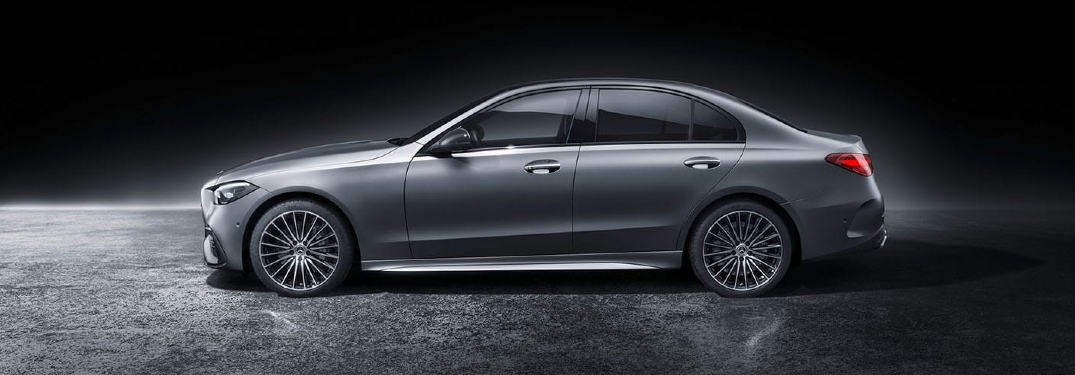 What engine does the 2022 Mercedes-Benz C-Class have?