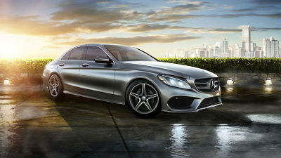 2015 Mercedes-Benz 400 exterior front fascia and passenger side outside city