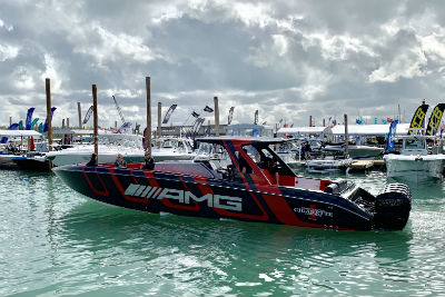 41 AMG® Carbon Edition racing boat in water facing the left with AMG® lettering