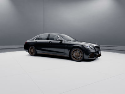 2020 MB AMG S 65 exterior front fascia and passenger side in gray room