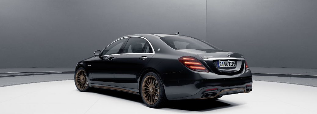 2020 MB AMG S 65 exterior back fascia and drivers side in gray room