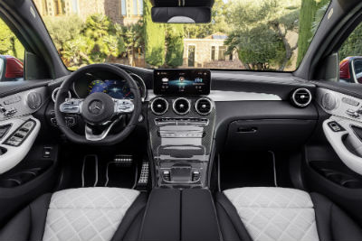 2020 MB GLC Coupe interior steering wheel dashboard and partial seats