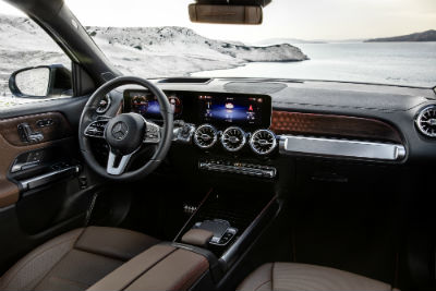 2020 MB GLB exterior front cabin side view steering wheel and dashboard