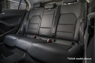 2018 MB GLA interior back cabin seats