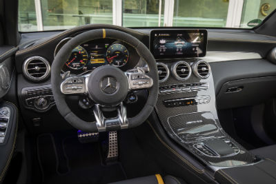 2020 MB GLC interior front cabin steering wheel and dashboard