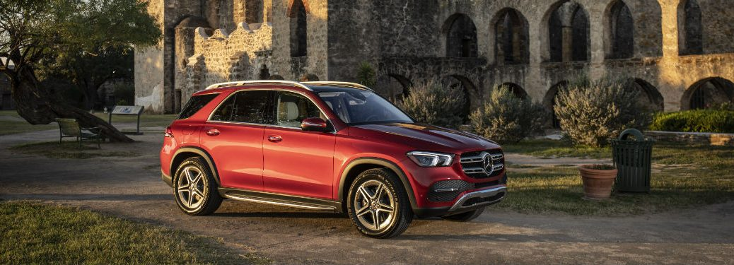 2020 MB GLE exterior front fascia and passenger side in front of stone archways