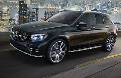 2019 MB AMG GLE exterior front fascia and driver side going fast on city highway