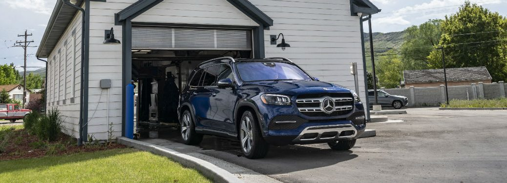 2020 MB GLS exterior fascia and passenger side rolling out of garage