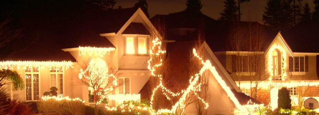House decked out in christmas lights