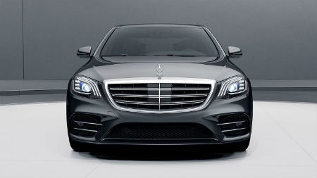 2020 MB S-Class exterior front fascia in white and gray room