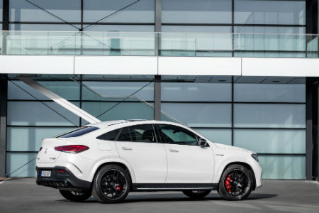 2021 MB AMG GLE 63 S Coupe exterior back fascia passenger side in front of window building