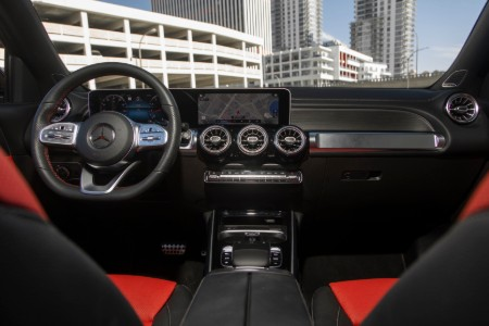 2020 MB GLB interior front cabin steering wheel and dashboard with city in front window