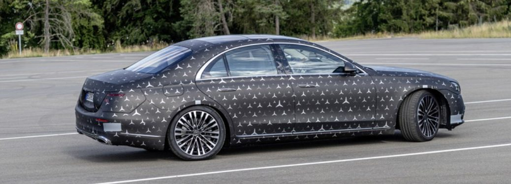 MB S-Class exterior passenger side profile with white triangular dots