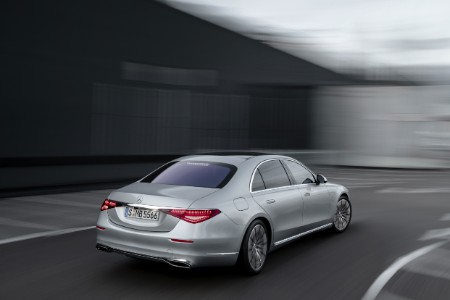 2021 MB S-Class exterior rear fascia passenger side on blurry road