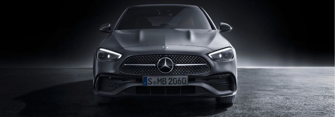How many engine options are available for the 2022 Mercedes-Benz C-Class?