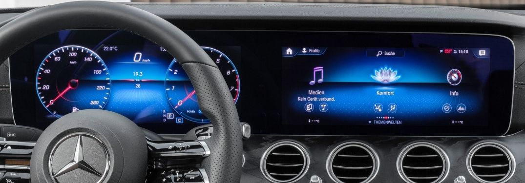 How does the Mercedes-Benz Augmented Reality work?