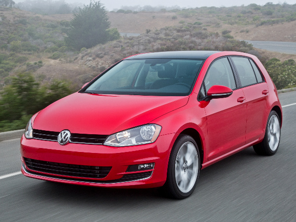 Review of the 2016 VW Golf GTE: Performance Features and Specs