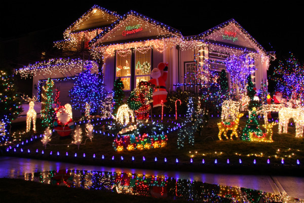 Where are 2015 Christmas light displays in Orange County CA?