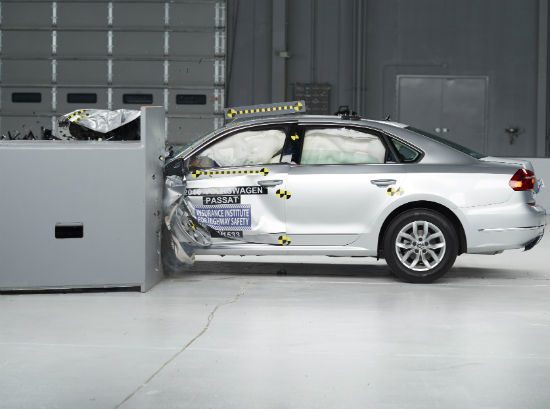 2016 VW Passat Earns IIHS Top Safety Pick+ Rating