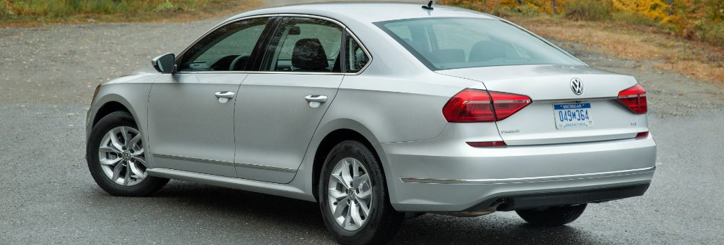 How the VW Passat Rear Traffic Alert Works