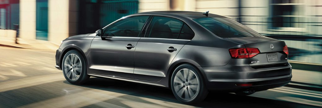 What are the trims, features and release date of 2017 VW Jetta?