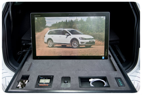 golf_alltrack_country_concept_computer