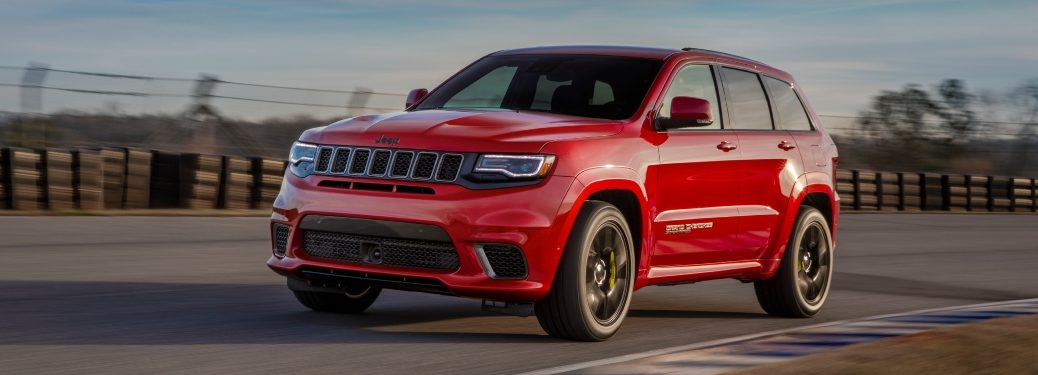 2020 Jeep Grand Cherokee Trailhawk red side front view