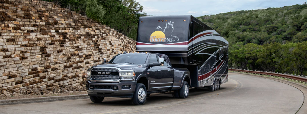 Can I Hook Up a Trailer to My Vehicle by Myself?