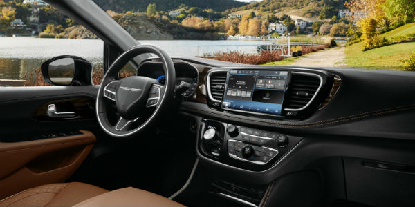 Interior view of 2021 Chrysler Pacifica