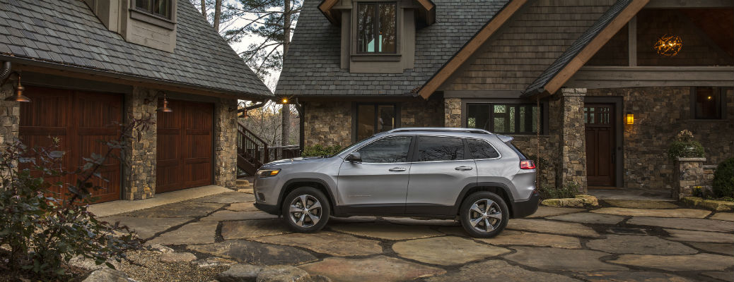 Does the 2021 Jeep Cherokee Have Blind Spot Technology?