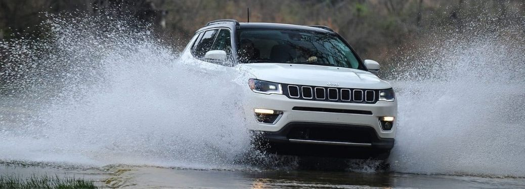 What are the different paint color options for the 2021 Jeep Compass?
