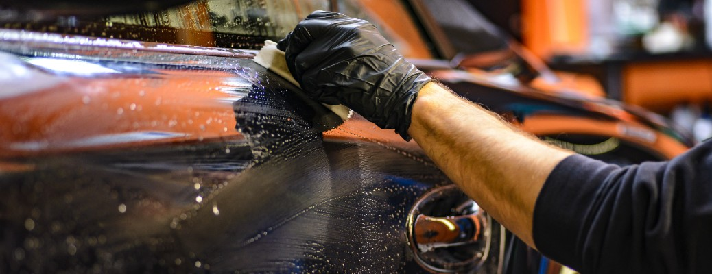 What luxury dealerships offer a mobile car wash service in South Florida?