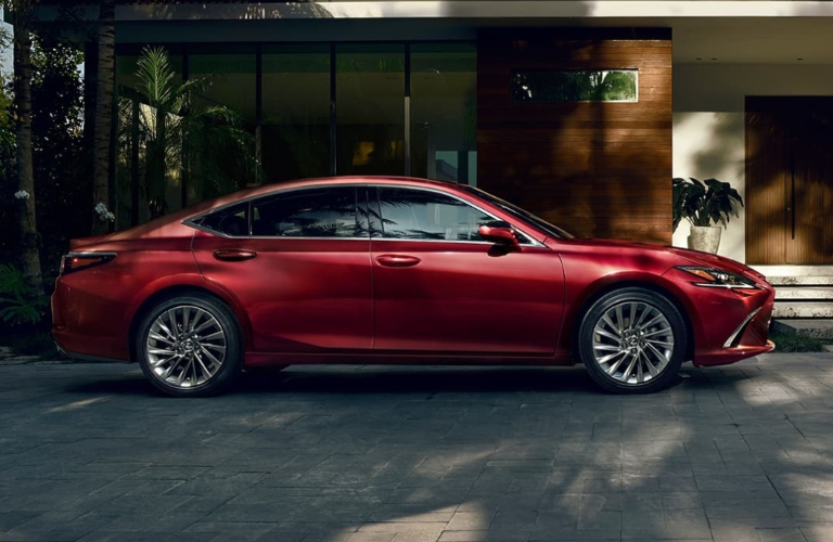 Profile view of the 2021 Lexus ES parked in a driveway